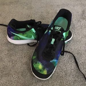 Nike flex experience run 6